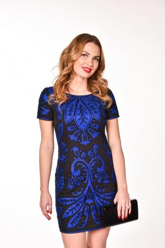 obrázok 1 French Connection čierne šaty s modrou výšivkou