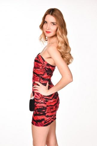 obrázok 1 LIPSY červeno-čierne mini šaty bez ramienok