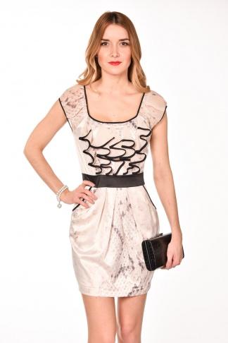 obrázok 1 Lipsy pastelové šaty s čiernym opaskom a volánmi