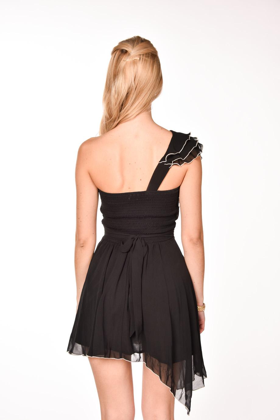 63a851a5ed53 Čierne volánové šaty na jedno rameno - Shaty