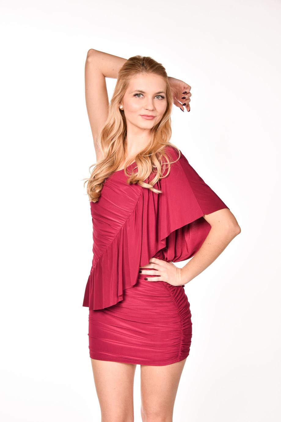 4fe4d261ddd3 obrázok 1 ASOS červené šaty s volánom na jedno rameno