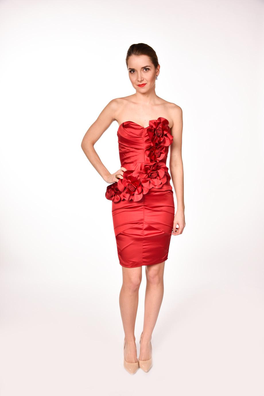 4c0c77833951 obrázok 4 LIPSY červené kvetované šaty bez ramienok