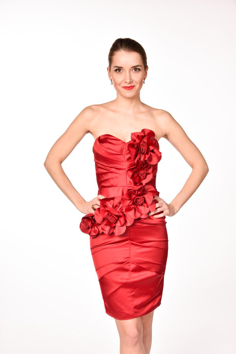 d422b87b01b5 obrázok 1 LIPSY červené kvetované šaty bez ramienok