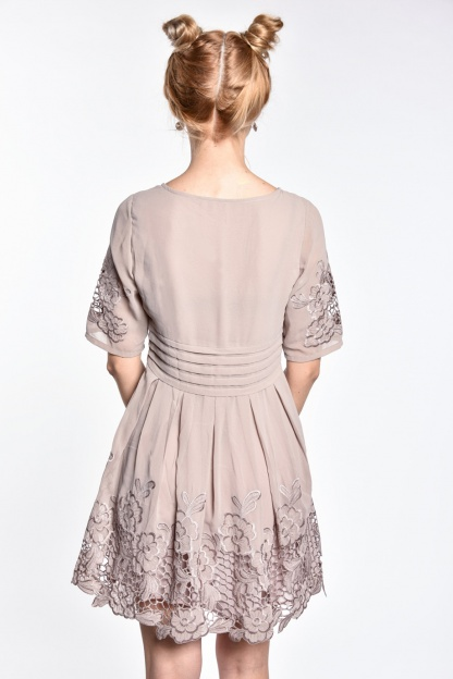 obrázok 2 Chicwish sivé šaty s rukávom