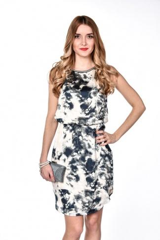 obrázok 1 Béžovo-šedé šaty s vybíjanými detailmi