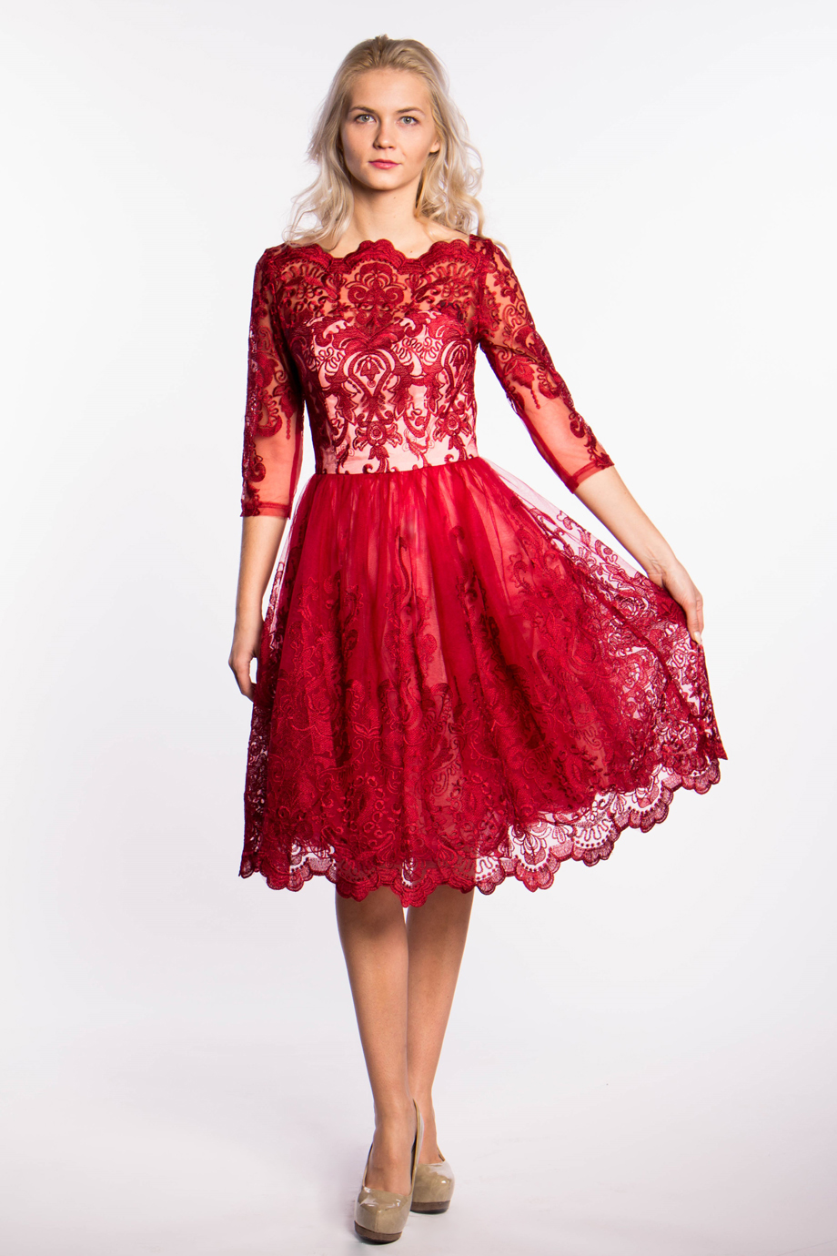 obrázok 4 Chi-Chi London červené čipkované šaty