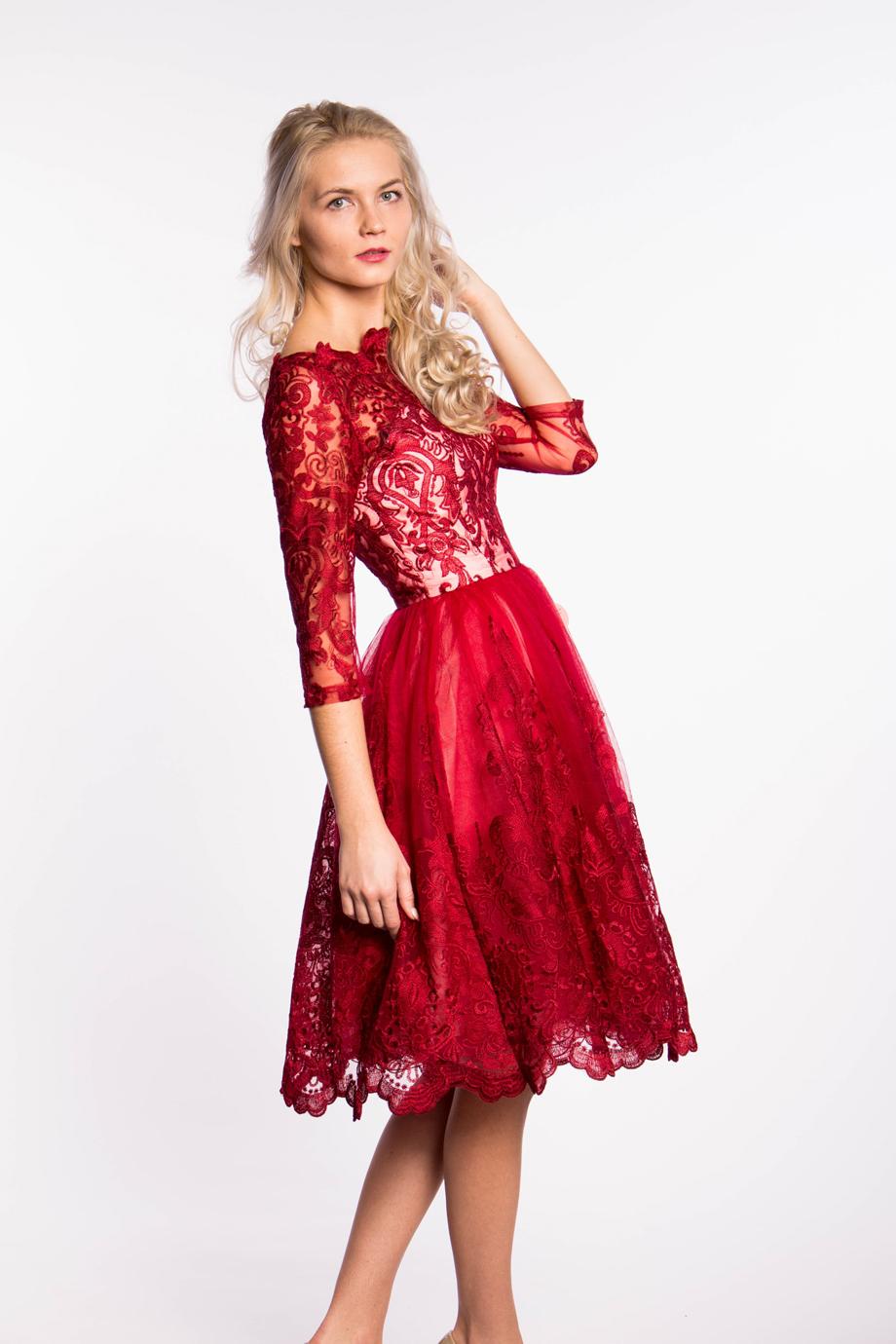 obrázok 2 Chi-Chi London červené čipkované šaty