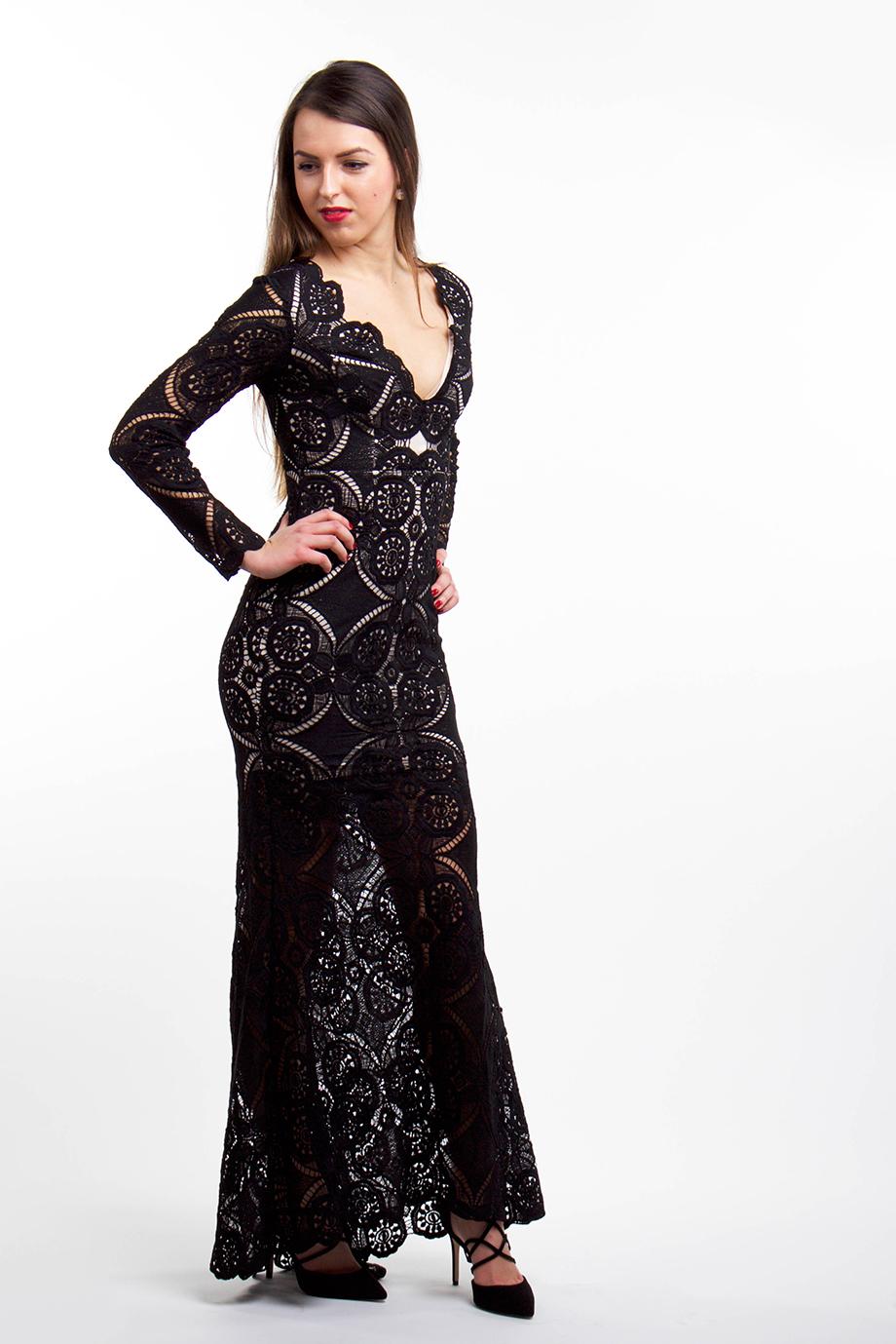 Čierne dlhé čipkované šaty (požičanie) - Shaty 72ec2adfc29