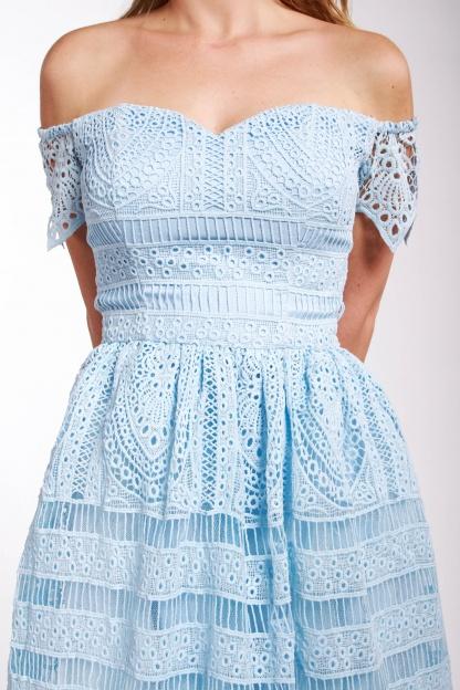 obrázok 3 Chi-Chi London bledomodré čipkované šaty