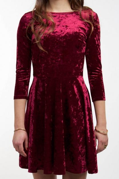 obrázok 4 Club L bordové semišové šaty