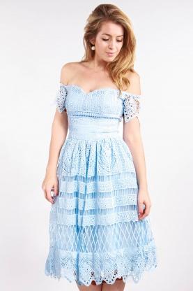 obrázok 1 Chi-Chi London bledomodré čipkované šaty