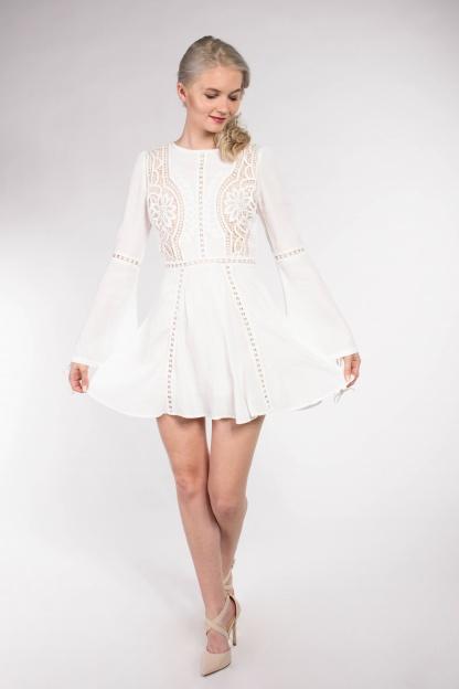obrázok 2 Chicwish biele letné mini šaty so zvonovými rukávmi