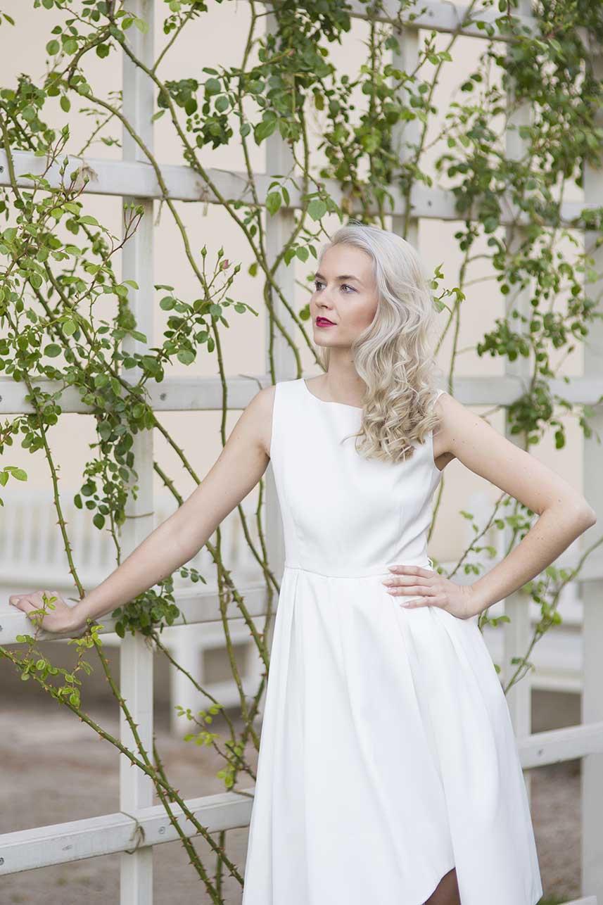 obrázok 4 biele letné šaty