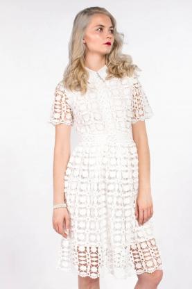 obrázok 1 Chicwish biele čipkované šaty