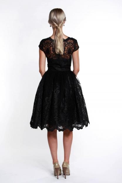 obrázok 2 Chi-Chi London čierne čipkované šaty
