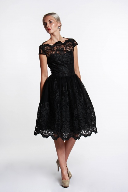 obrázok 4 Chi-Chi London čierne čipkované šaty