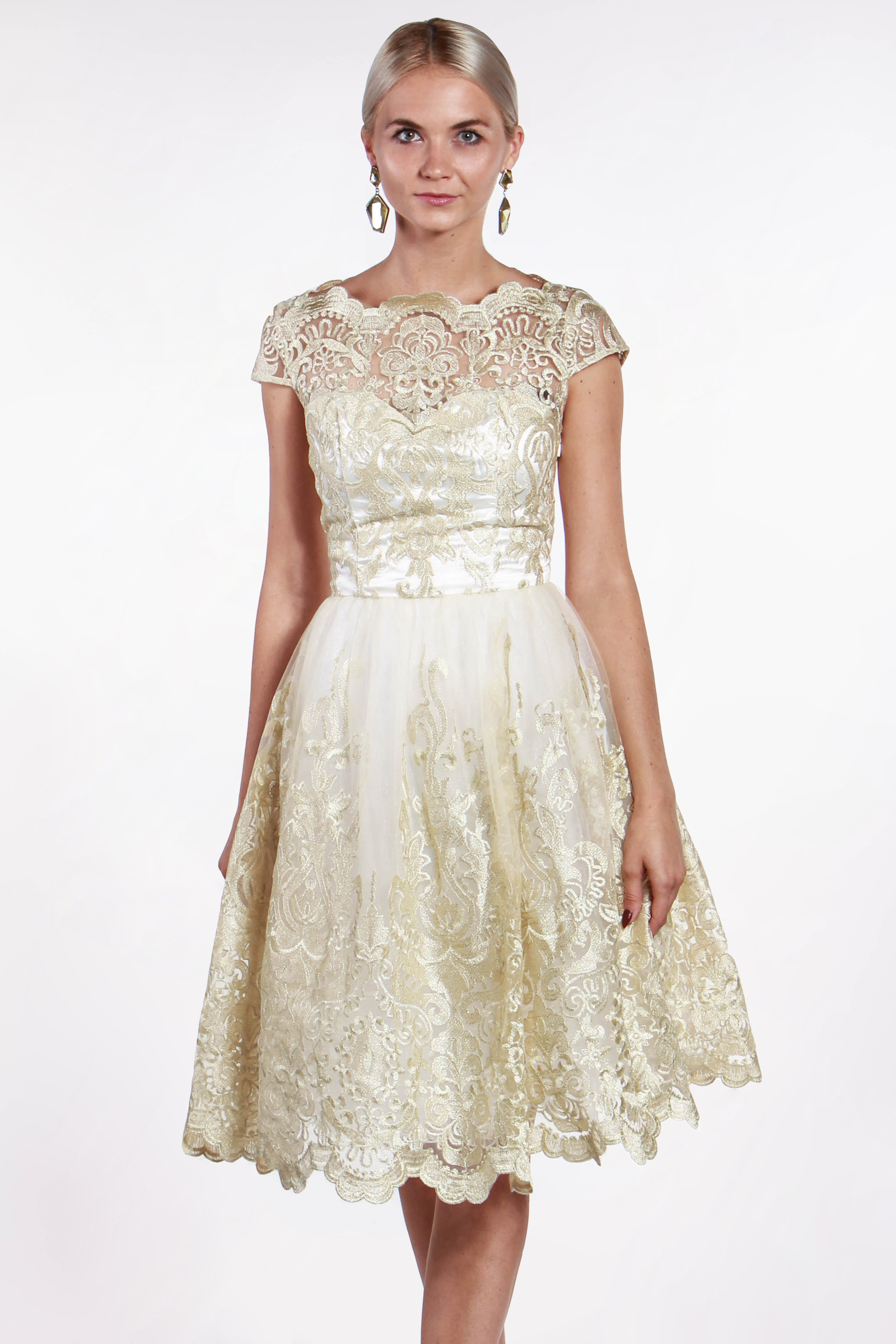 obrázok 1 Chi-Chi London béžovo-zlaté čipkované šaty 23130735985