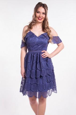 obrázok 1 Chi-Chi London tmavomodré čipkované šaty
