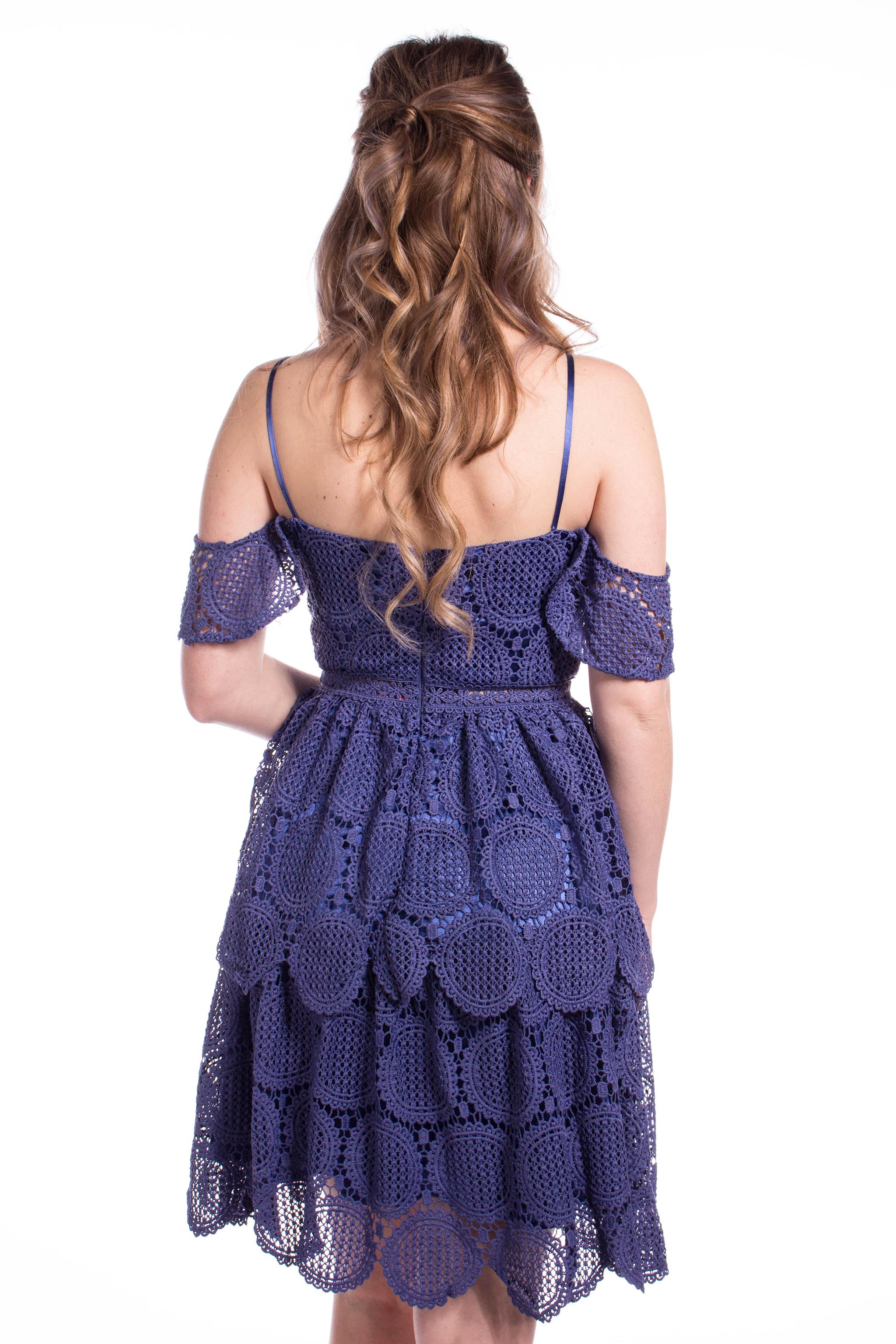 Chi-Chi London tmavomodré čipkované šaty - Shaty 1bec7e71fbb
