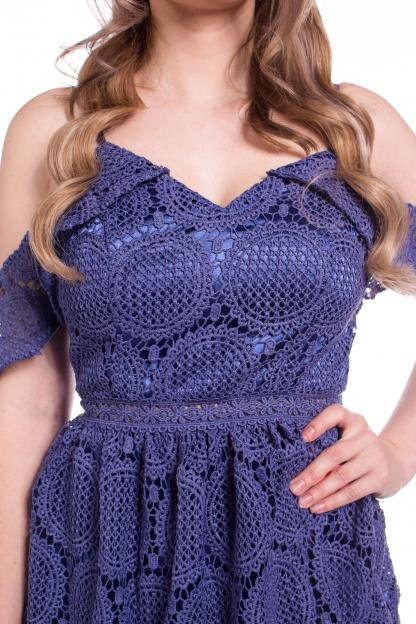 obrázok 4 Chi-Chi London modré čipkované šaty