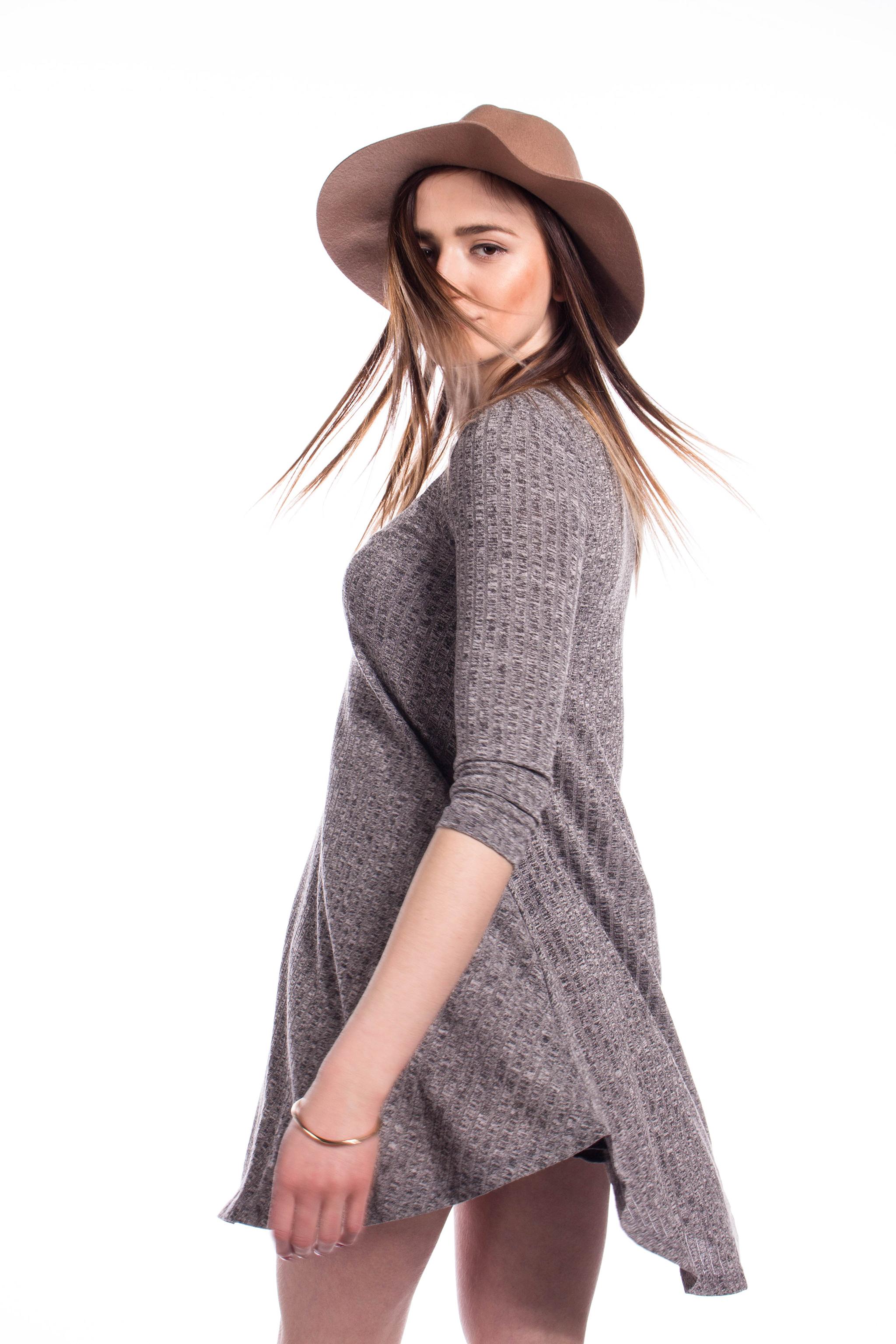 0e7c9d8b8f7f obrázok 2 New Look šedé šaty s vreckami