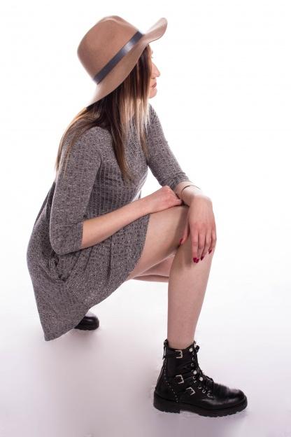obrázok 5 New Look šedé šaty s vreckami
