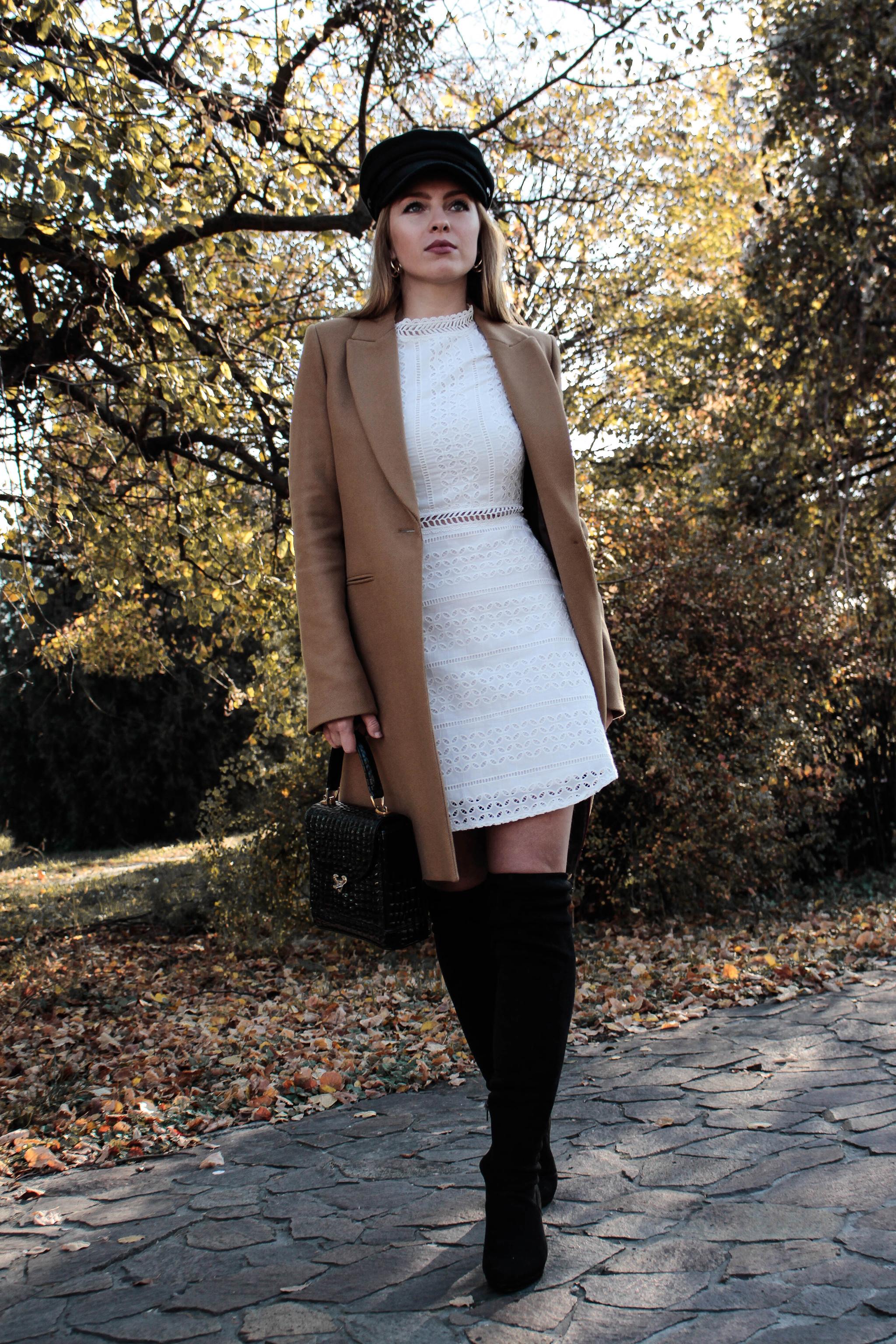 5cb3ff8de36f Biele háčkované mini šaty - Shaty