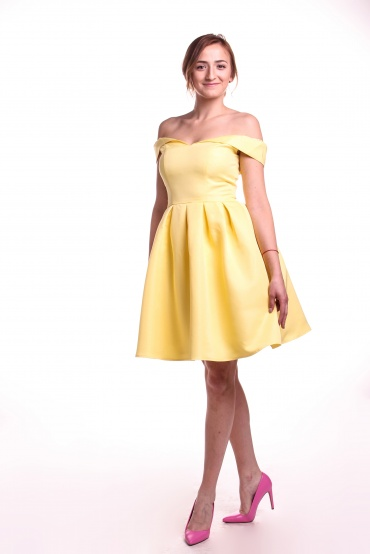 Obrázok 4 Chi-Chi London žlté šaty