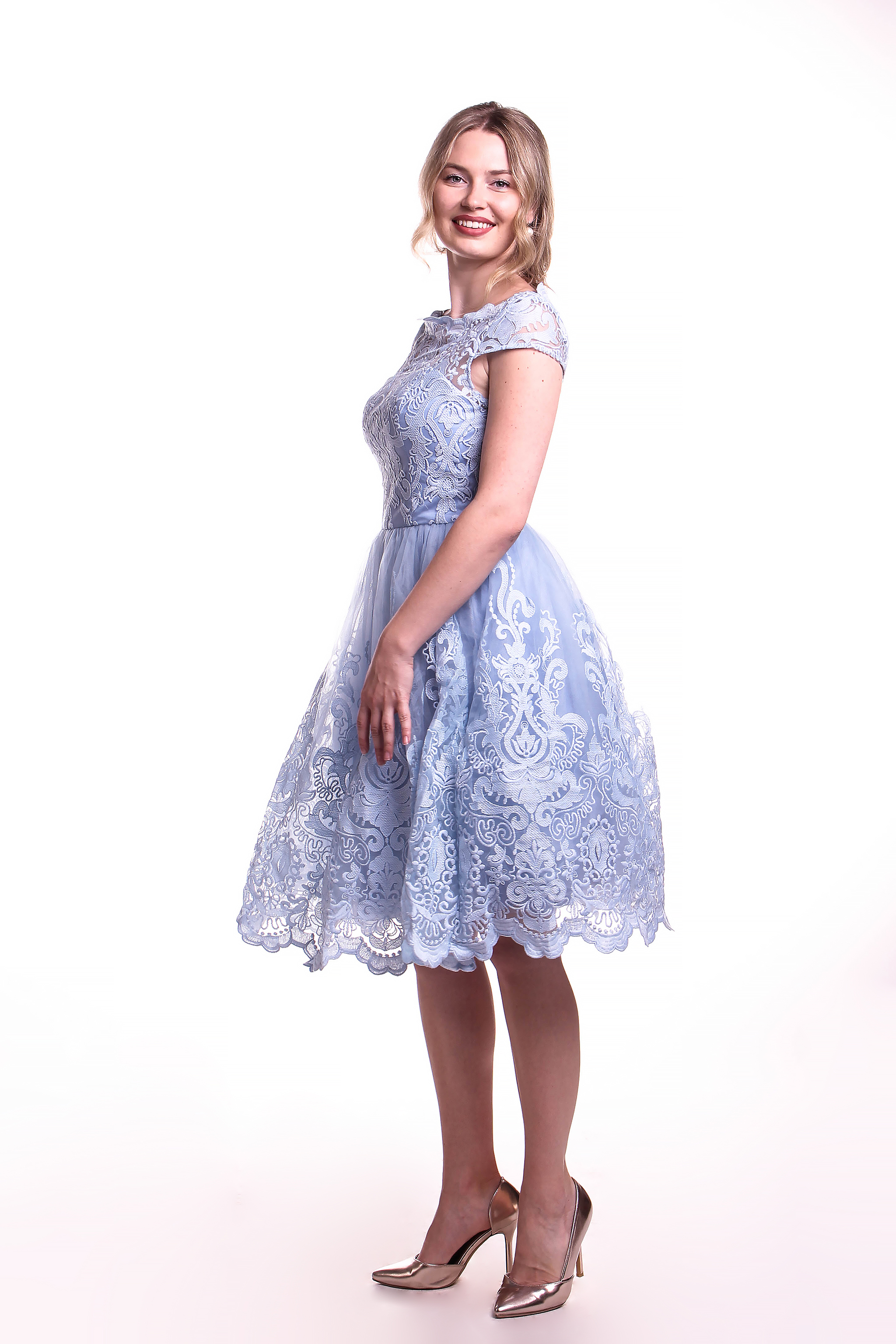 Obrázok 4 Chi-Chi London modré čipkované šaty 5a3afb67db8