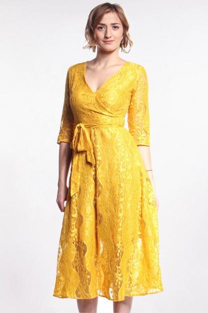 Obrázok 1 Žlté čipkované midi šaty