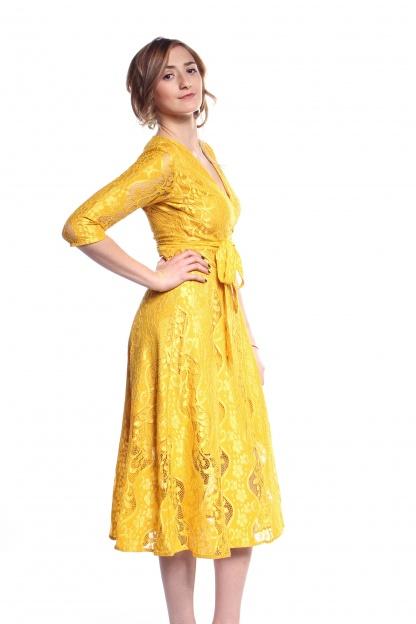 Obrázok 2 Žlté čipkované midi šaty
