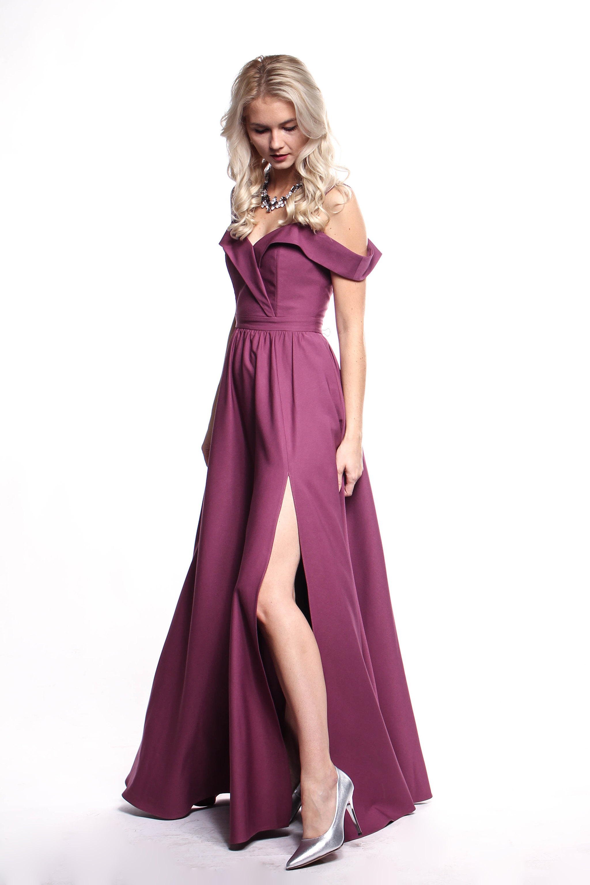 e89c1ffc063e Obrázok 2 Fialové plesové šaty