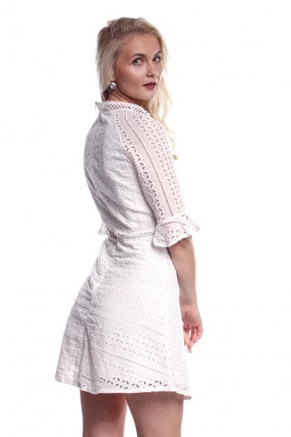 Obrázok 3 Biele háčkované mini šaty