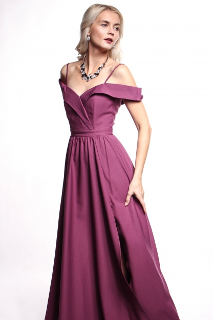 Obrázok 3 Fialové plesové šaty
