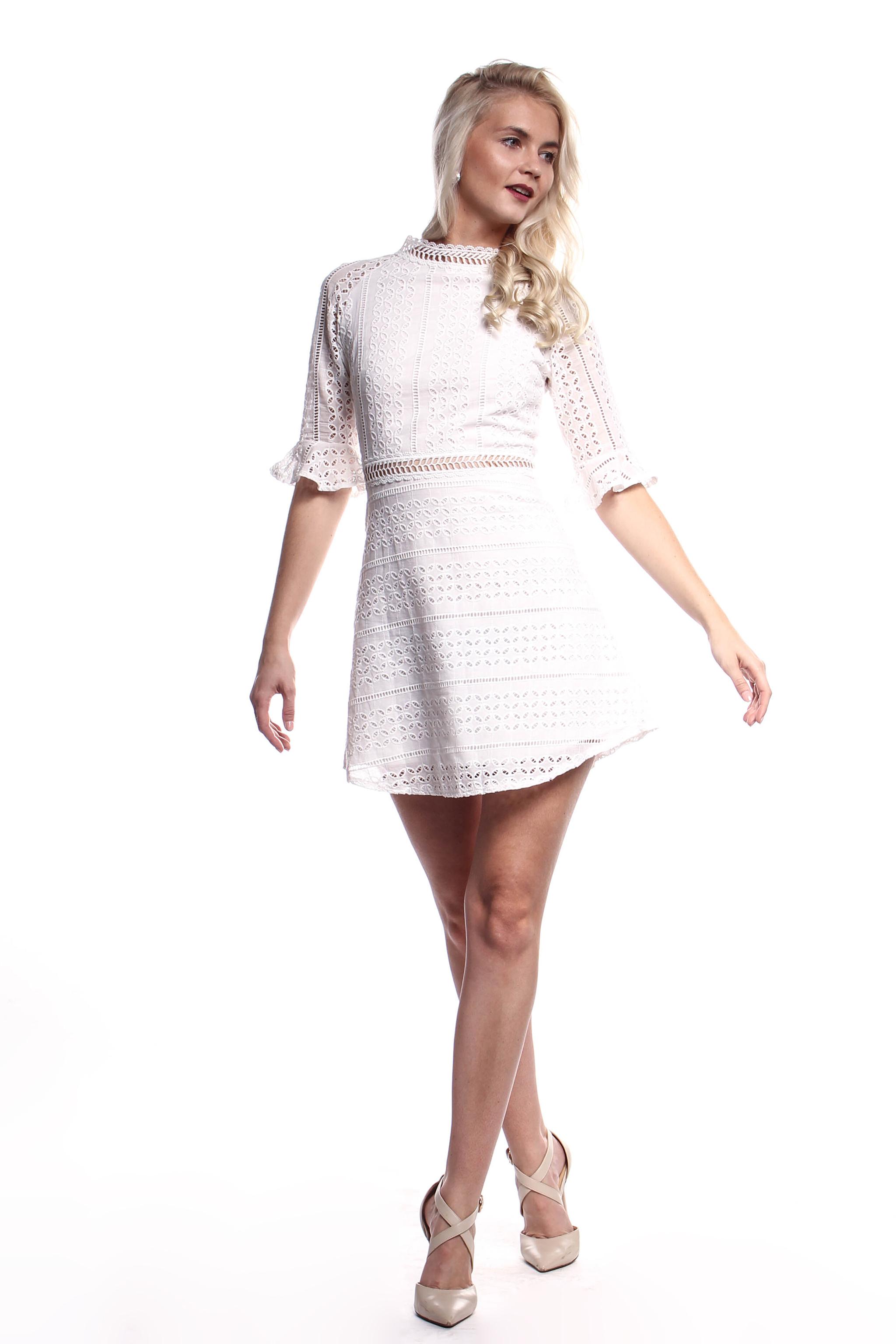 4bbc51b9d2f6 Obrázok 5 Biele háčkované mini šaty
