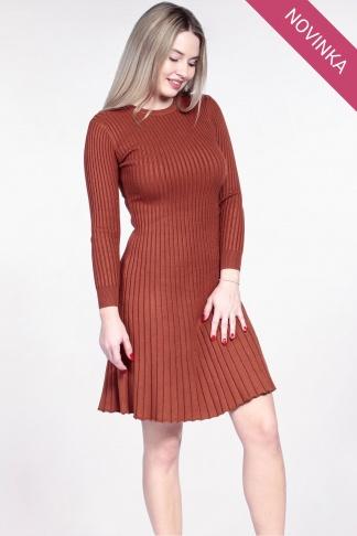 NOVINKA Oranžové svetrové šaty