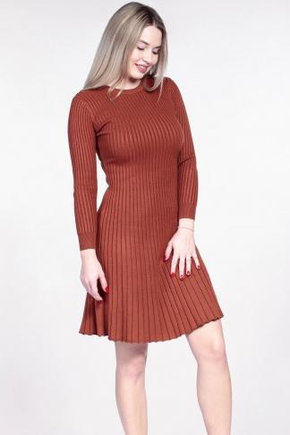 Obrázok 1 Oranžové svetrové šaty
