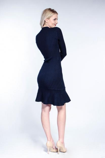 Obrázok 2 Tmavomodré svetrové šaty